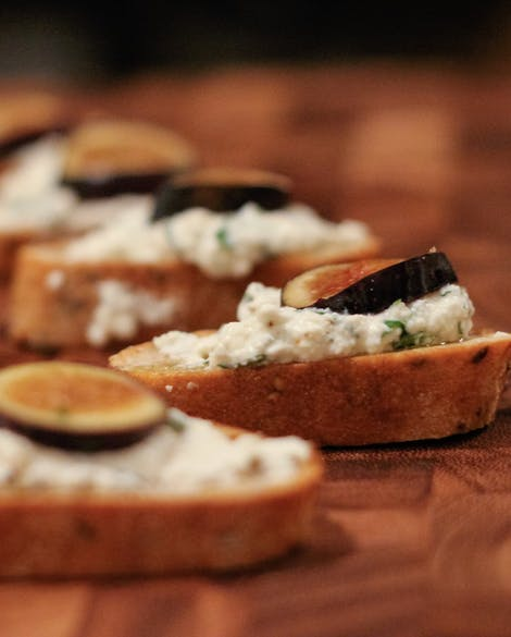 Crostini with Herbed Ricotta and Fresh Figs