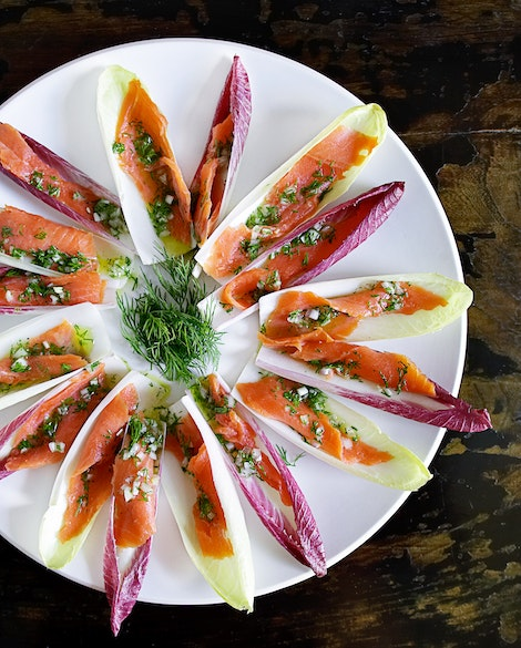 Endive Spears with Smoked Salmon and Lemon Dill Vinaigrette