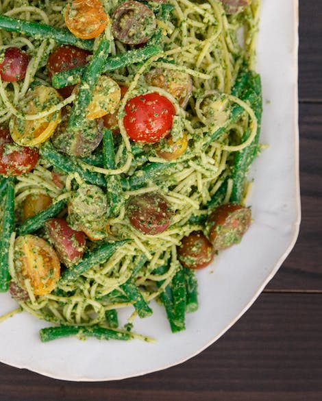 Lemony Pesto Spaghetti with Tomatoes and Haricots Verts