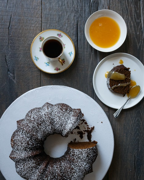 Old Fashioned Gingerbread Bundt Cake