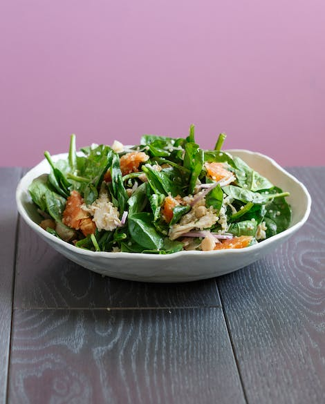 Spinach Salad with Quinoa, Chicken, Chickpeas and Oranges